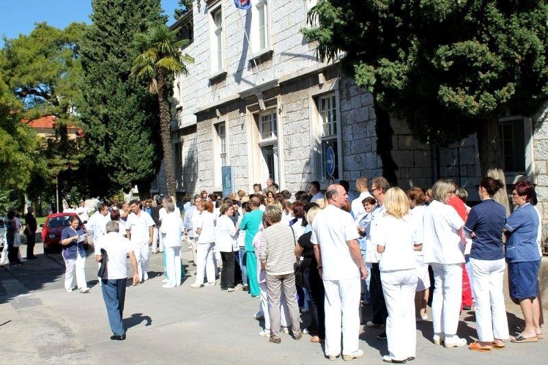 Štrajk 'medicinara' traje i dalje