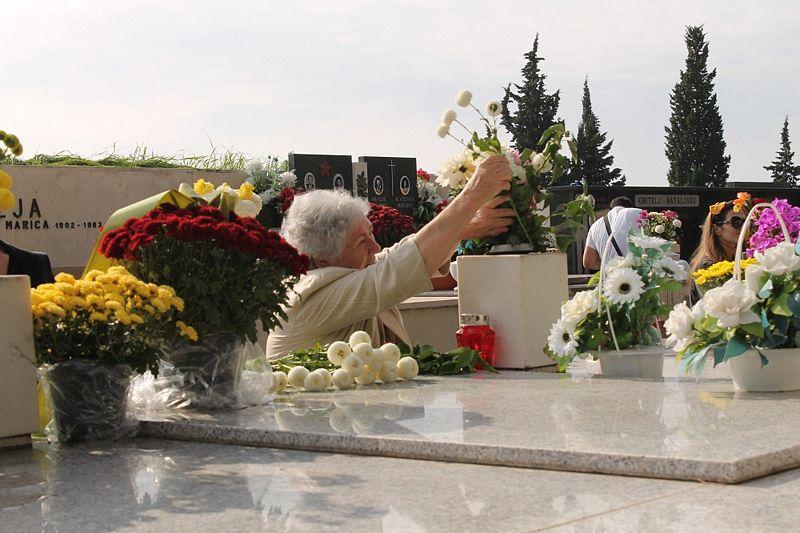 Blagdan Svih svetih: Poštovanje pokojnicima iskazuju vjernici i nevjernici