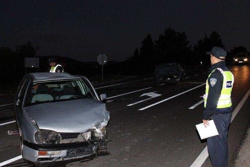 Dvoje od šestero ozlijeđenih je kritično: Sudar na D 27 skrivio je 77-godišnji vozač 'Zastave 101'
