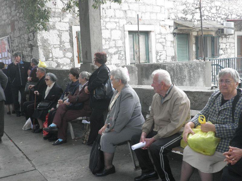 """Vladini predizborni """"darovi"""": HDZ-ova manipulacija umirovljeničkom bijedom…"""