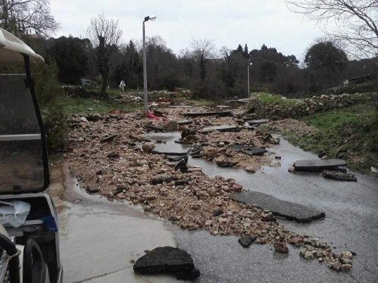 Na Zlarinu palo 122 litre kiše po metru četvornom: U pomoć stiže i bager