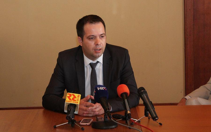"""U HSP-u dr. Ante Starčević zaboravili da su dio vlasti koja je """"Azimutom"""" biskupa """"nažuljala"""""""