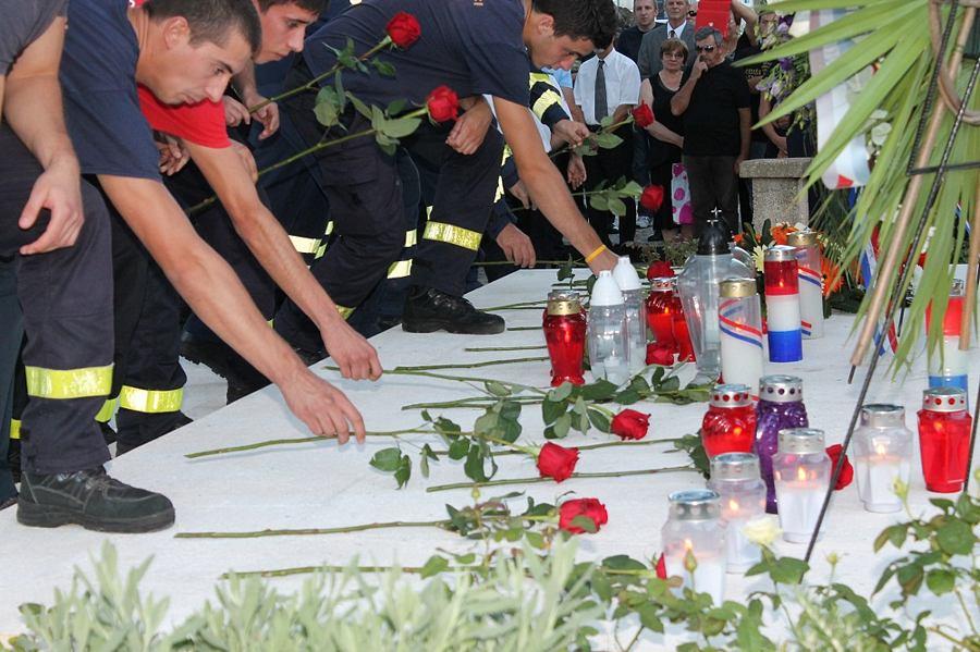 Tisno - 7. godišnjica kornatske tragedije (Foto H. Pavić) (9)