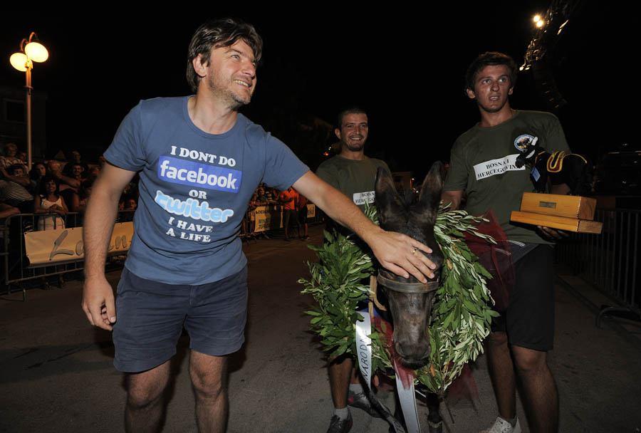 Tisno, 10.08.2013 - Ministri Darko Lorencin i Sinisa Hajdas Doncic gosti na 8. Medjunarodnoj utrci tovara