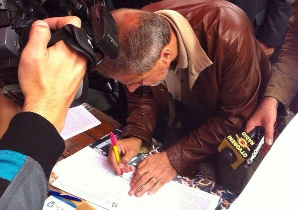 Željka Markić donoseći u Sabor potpise za referendum: 'Bandić je samo jedan u nizu gradonačelnika koji su pomogli inicijativu'