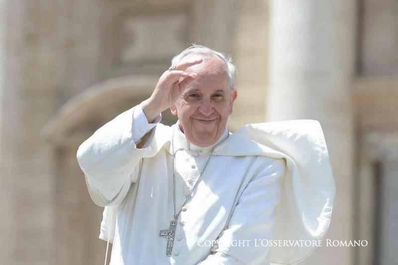 Papa Frane: Žalosno je vidjeti biskupe i svećenike zaljubljene u novac