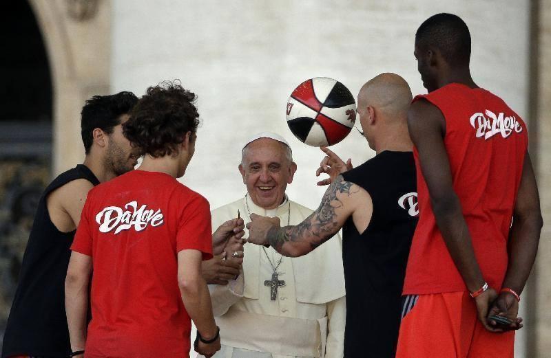 Radio Vatikan: Papa Franjo priznao kako je 'ozbiljno pogriješio' oko seksualnog zlostavljanja djece od strane crkvenjaka u Čileu
