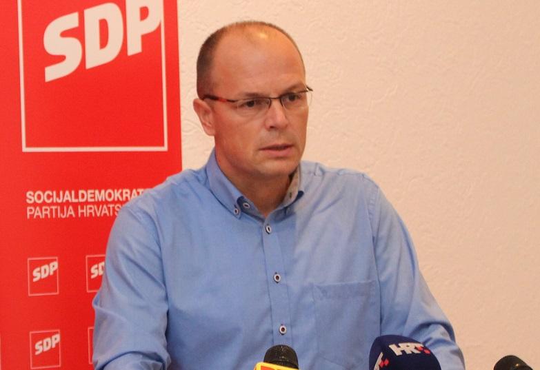 Grad se zadužuje zbog dugova HNK Šibenik