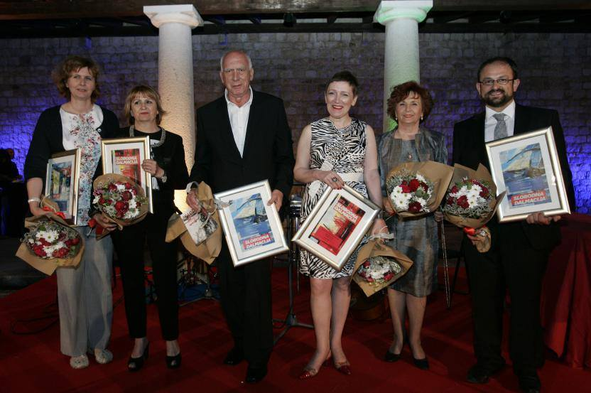 Malo se hvalimo: Naša Davorka Blažević je dobila nagradu za životno djelo u novinarstvu