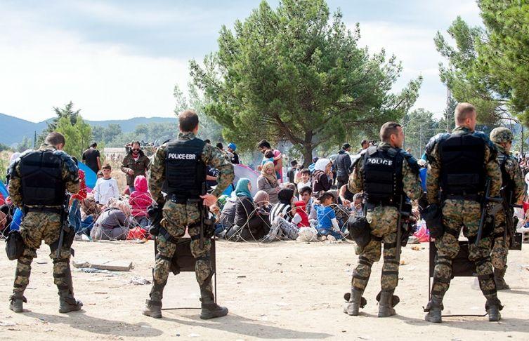 Izbjeglička kriza u Makedoniji: Čekaju vlak što doći neće, pa da krenu putem sreće te…