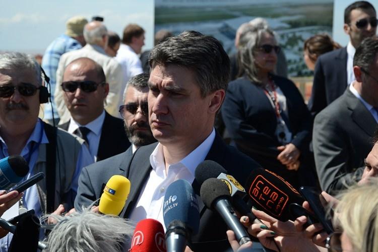 Z. Milanović opet o čepovima: Onda ćemo to sve začepiti… Ili nećemo, nemam pojma…