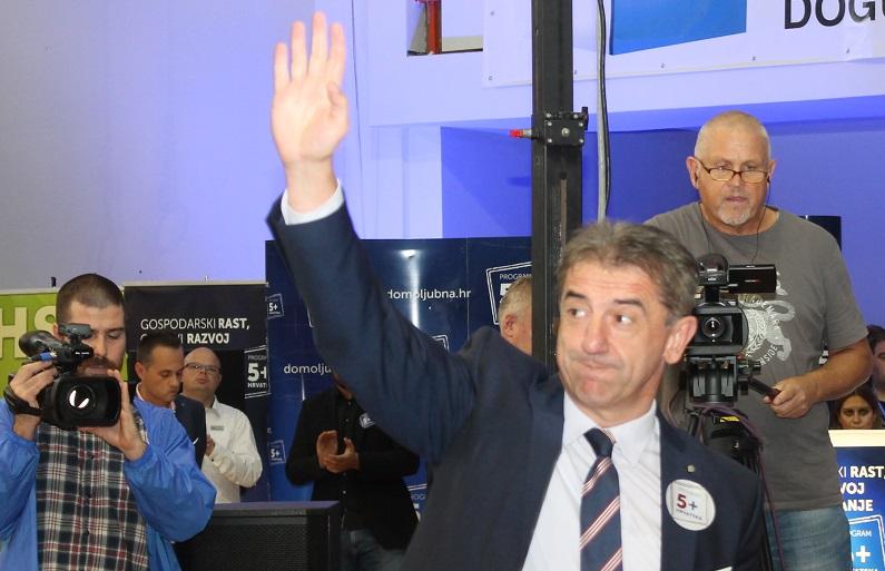 """Ličko-senjska županija iz sedmog pokušaja donijela proračun: Župan Darko Milinović """"preživio"""", no, Thompson Ličanima otkazao"""