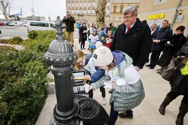 Svečano odvrtanje jedne špine (foto: Grad Rijeka)