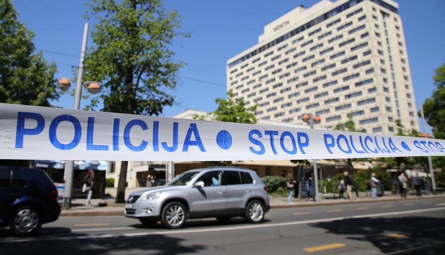 STOP POLICIJA - mirnodopski Zagreb danas (foto HINA/Lana Slivar Dominić)