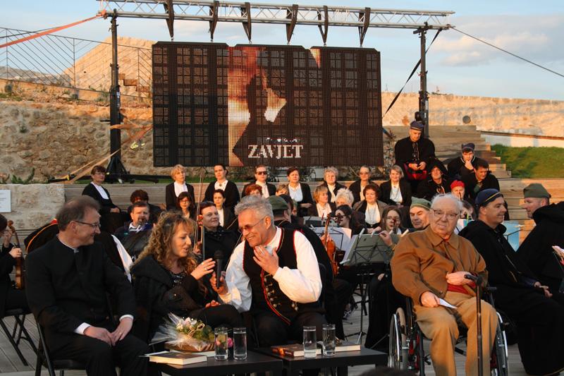 Predsezonsko kulturno skeniranje Šibenika: Između afera i isforsiranog spektakla