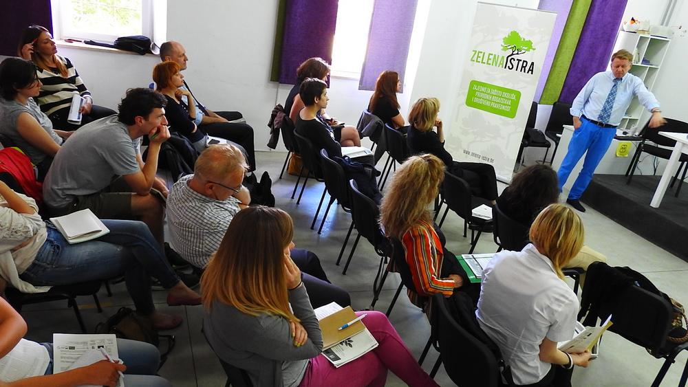 Pula: Seminar o primjeni Aarhuške konvencije, govori dr. Jerzy Jendroška (foto TRIS/G. Šimac)