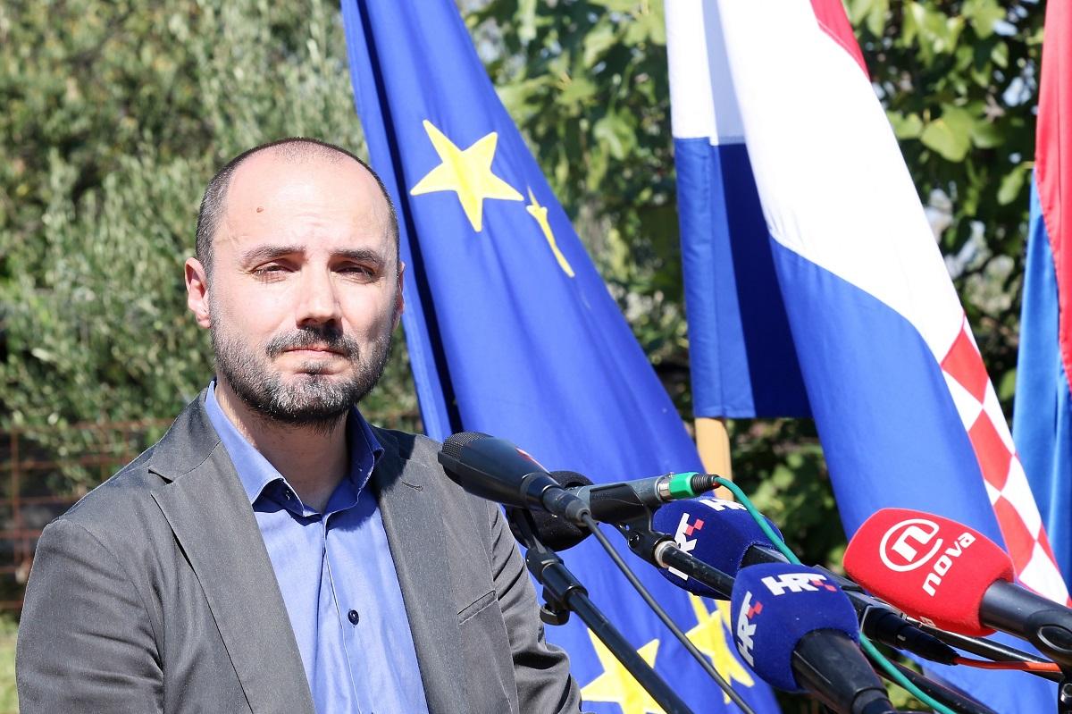 Boris Milošević, potpredsjednik Vlade: Od svake moje riječi glasnija je mučna tišina koju osjetim kad posjetim Ovčaru…