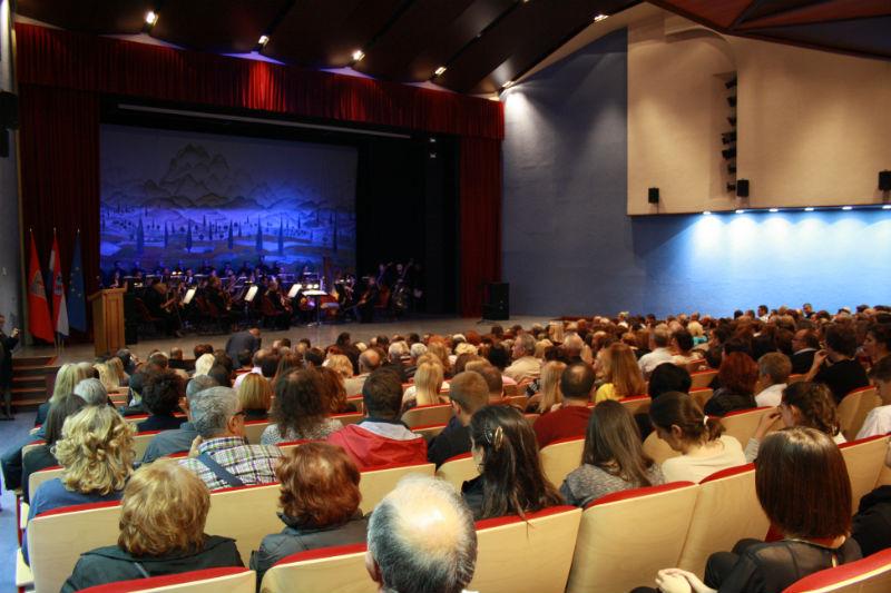 Svečano otvorenje dvorane Doma kulture: Drniš dobio Lisinski, HNK i Cinestar