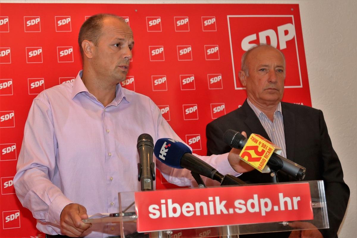 Joško Šupe i Ivan Rajić na današnjoj konferenciji za novinare (Foto: Tris/H. Pavić)