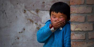 Ilustracija: Dječak iz Kine se smije
