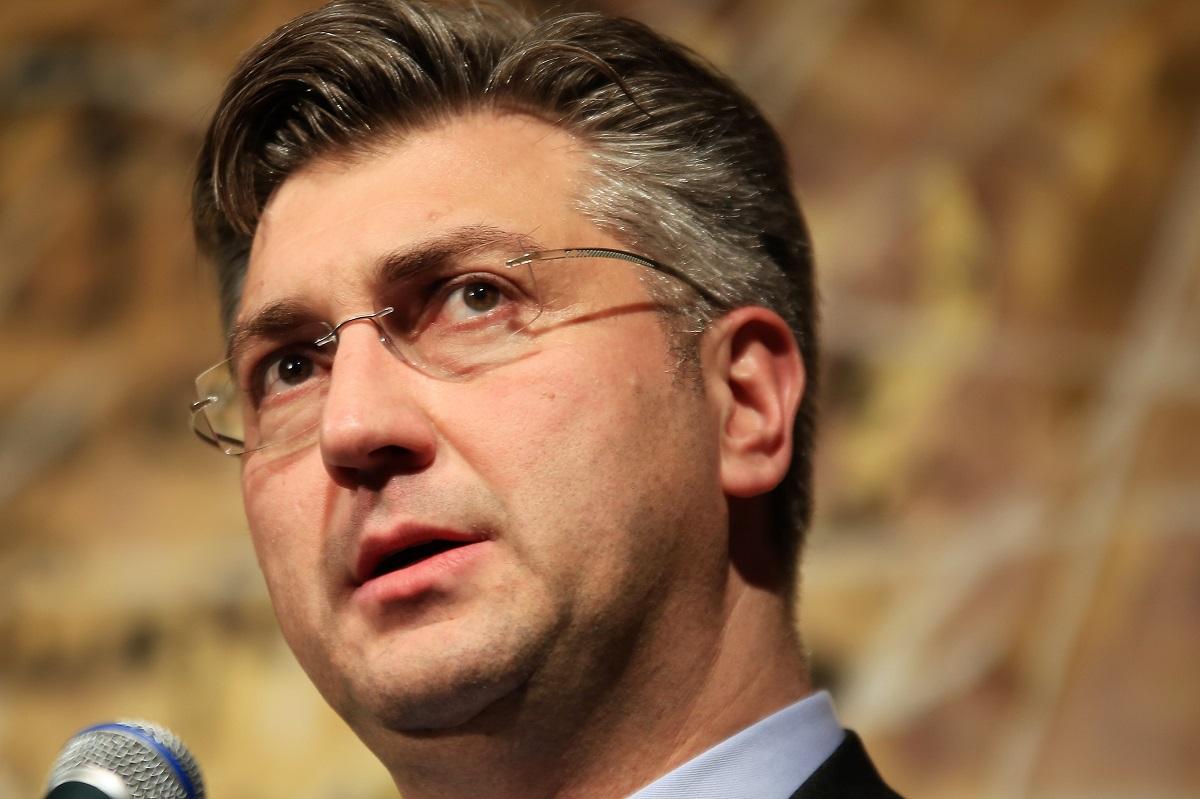 Prestrojavanja u HDZ-u: Svi su irelevantni, samo je Plenković važan!