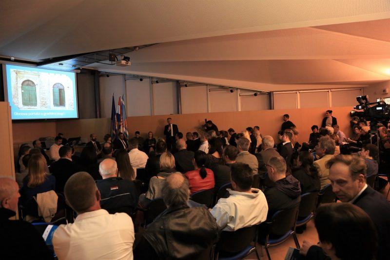 Uspješna prezentacija uspjeha gradske uprave (Foto: Tris/H. Pavić)