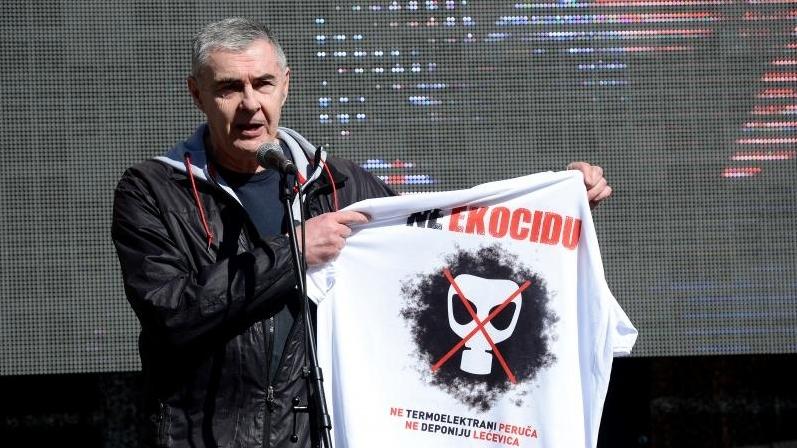 """Zastupnik Željko Glasnović s eko-aktivistima : Ne ekocidu, ali uvijek """"Za dom spremni"""""""