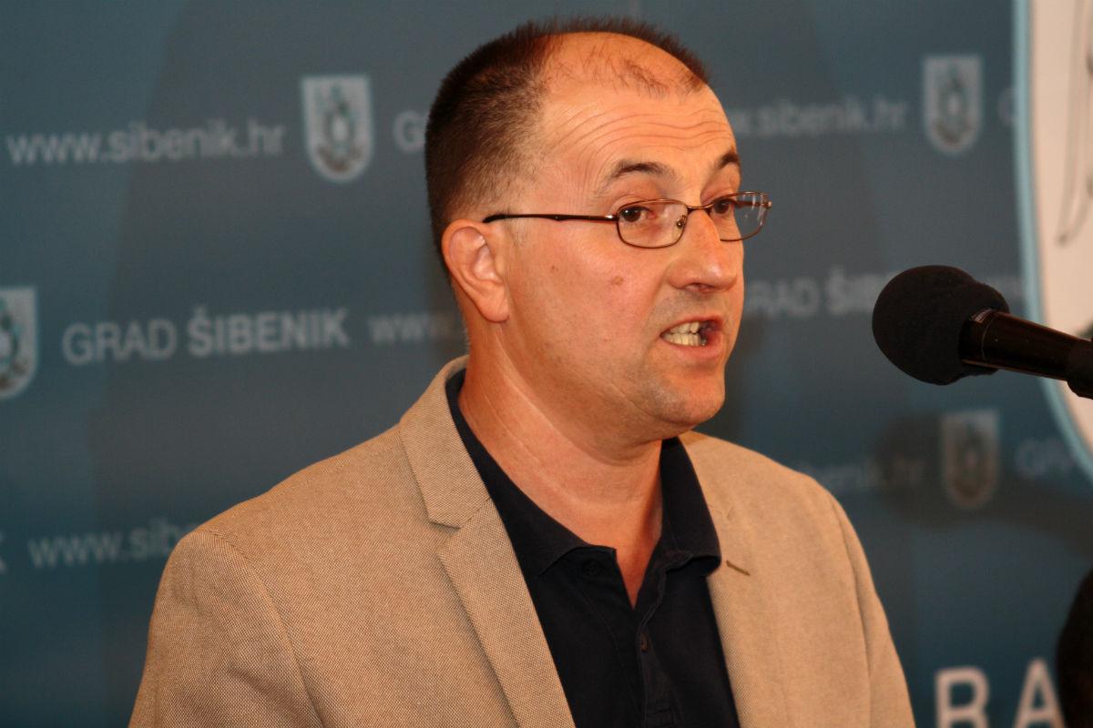 "Šibenski gradonačelnik sve je sličniji zagrebačkom- voli ""delati"", pogotovo, na mega-projektima…"