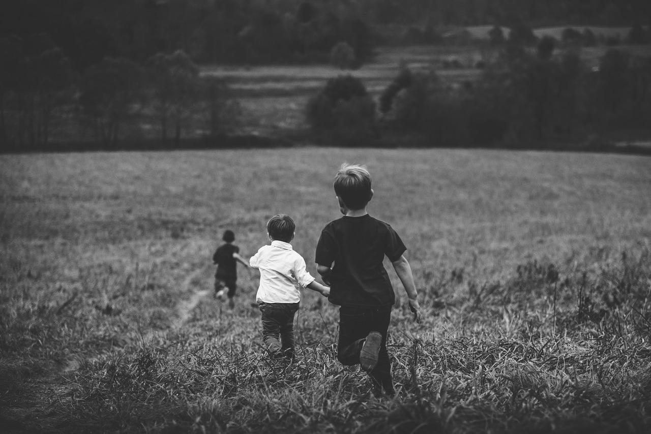 Udomiteljstvo i posvajanje: Dobrobit djece mora biti iznad naše licemjerne konzervativnosti
