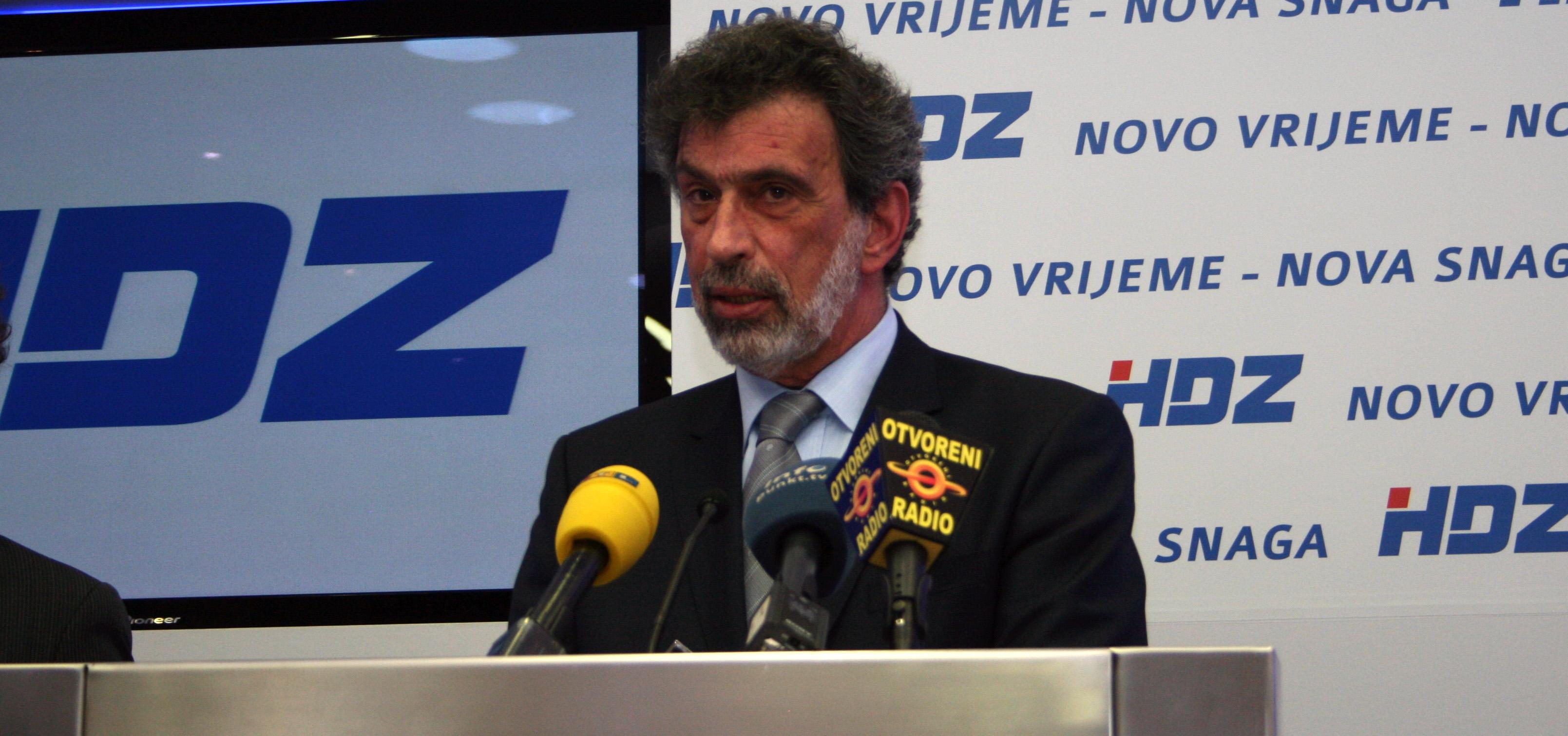 Radovan Fuchs posebni savjetnik premijera, Glunčić nije ni član ERS-a