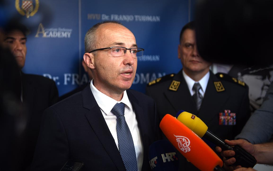 """Ministar Krstičević """"recipročno nepoželjan"""" u Srbiji"""
