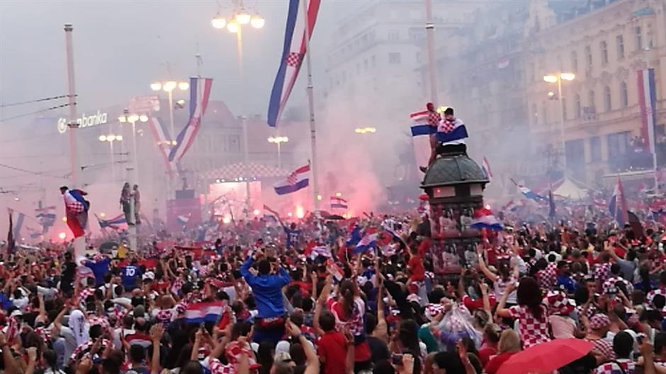 Lice i naličje nogometa: Predozirana nacija, izdajnici i idoli