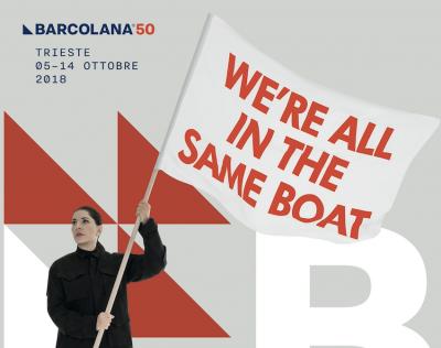 Glupani bez granica: Ultradesničari zabranjuju plakat za regatu Barcolanu radi natpisa – 'Svi smo mi na istom brodu'