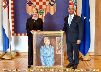 Predsjednici portret u plavoj opravi - foto: Facebook/Indijsko veleposlanstvo u Hrvatskoj