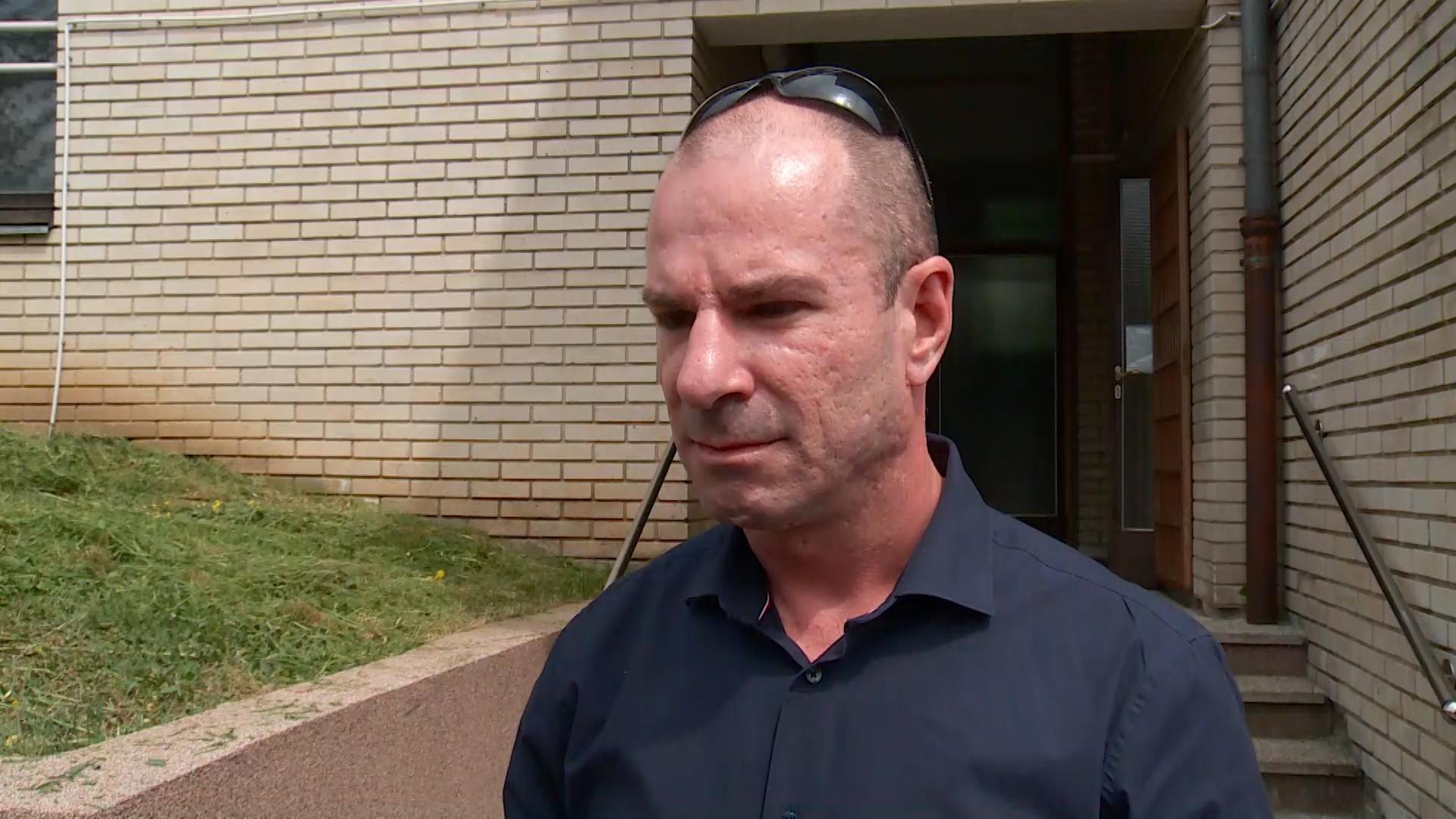 Thompsonov odvjetnik Davorin Karačić ne vidi suvislog razloga da Thompson odustane od ustaškog pokliča ZDS
