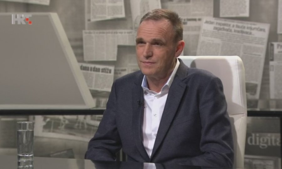 Vinko Brešan u HTV-ovoj emisiji Nu2: Nitko nije otvarao grob F.Tuđmana, to je scenografija, prizor sa filmskog seta…