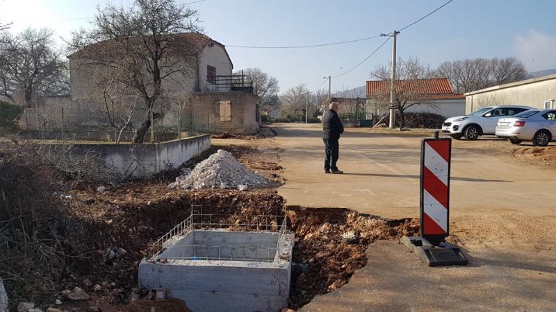 Grad Šibenik: 1.650 metara vodovodne mreže u mjestima gdje nemaju vodu