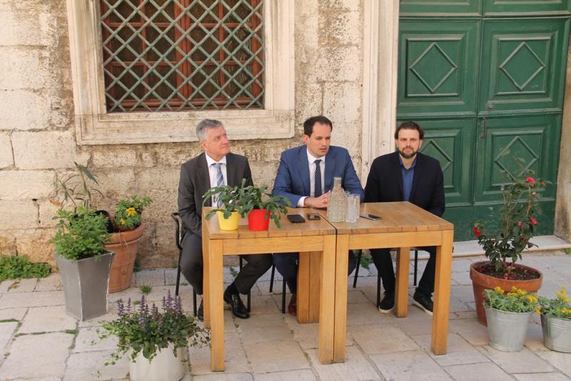 Grad Šibenik: Predstavljen projekt revitalizacije Male lože – Recolor