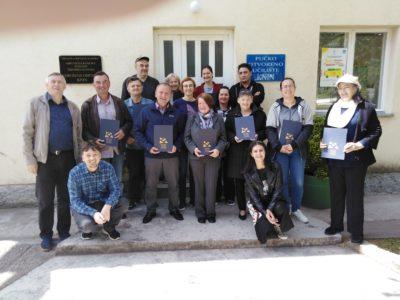 Veseli diplomanti  u Kninu (foto Eko udruga Krka Knin)