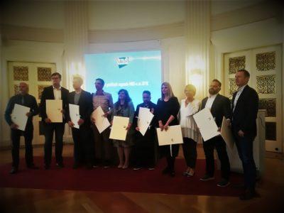 Zajednička fotografija dobitnica i dobitnika HND-ovih nagrada (foto Facebook)