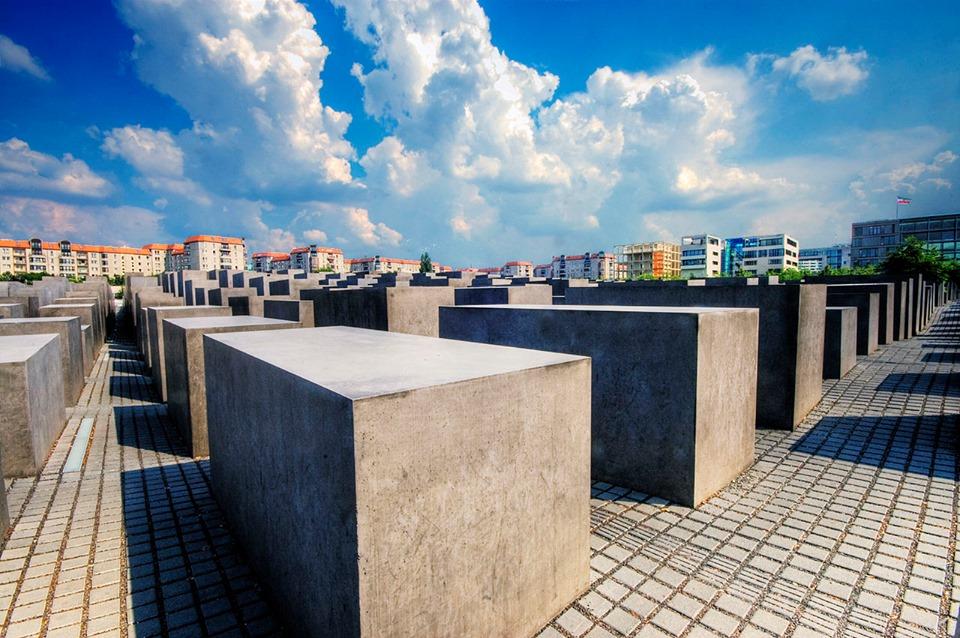 """Antifašistička liga traži: Umjesto """"žrtvama Holokausta"""" neka u posveti na spomeniku piše """"žrtvama ustaškog režima"""""""