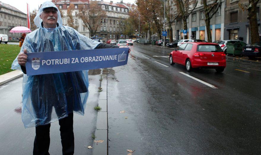 """Pučani i prosvjetari: U Areni """"finale Lige prvaka"""", na ulicama jad hrvatskog obrazovanja"""