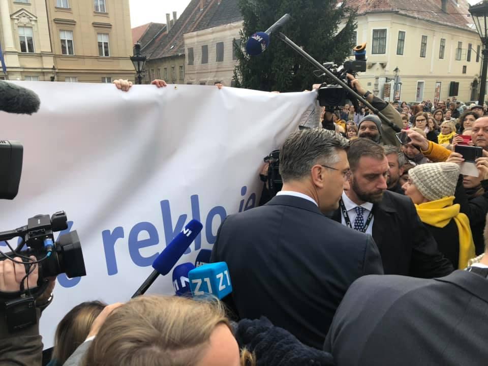 """Uoči velikog prosvjeda na Trgu bana Jelačića: """"Hrvatska mora bolje"""", ali može li uz ovakve prijetnje, političke spinove, optužbe """"prosvjetara"""" za rušenje vlasti ?"""