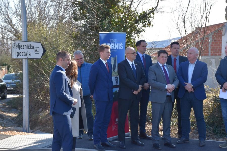"""Ministar Butković u Šibenik i Šibensko-kninsku županiju """"donio"""" ugovore vrijedne 113 milijuna kuna"""