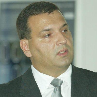 Portret mjeseca/ Vili Beroš, ministar zdravstva: Napokon ministar koji vrijedi više od stranačke iskaznice!