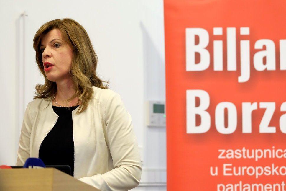 """Eurozastupnica Biljana Borzan (SDP) se obrušila na pogodovanje aviokompanijama: Apsolutno je neprihvatljivo da se građane """"dere"""" kako bi se spasilo velike igrače"""
