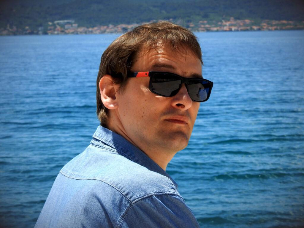 Hrvatski kler je, inzistirajući da se vjeronaučna nastava odvija u javnim školama, ispisao smrtnu presudu vjeri