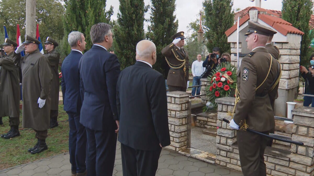 Premijer Plenković na komemoraciji u Varivodama: To je ružan ožiljak na obrazu Hrvatske…