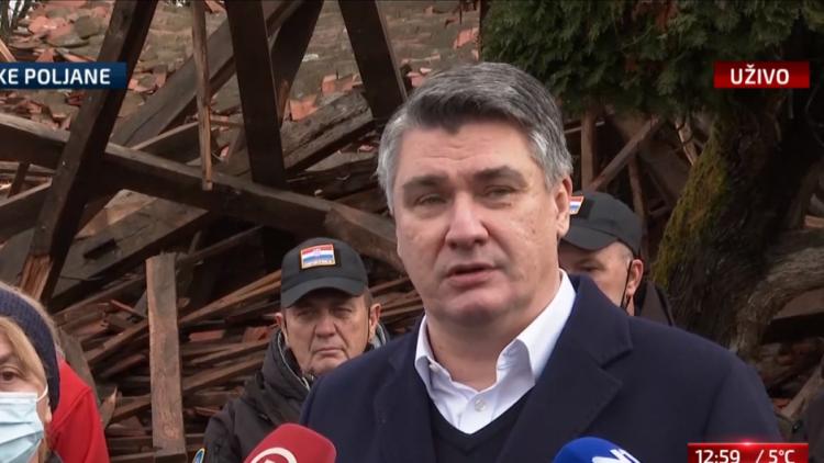 Tuga i nesreća nad Majskim Poljanama: Ni ljudi, ni psi, ne daju se sa svojih ruševina…