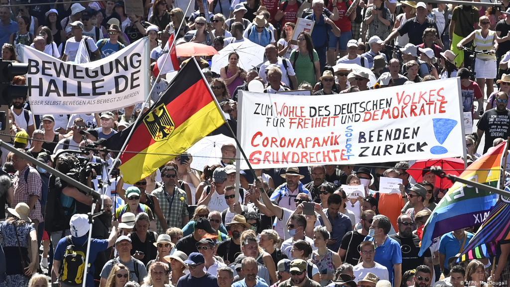 Die Welt i Deutsche Welle: Njemačka vlast je od znanstvenika tražila da izmisle najcrnji korona-scenarij kako bi šokirali građane radi lakšeg uvođenja represije, ograničenja i lockdowna